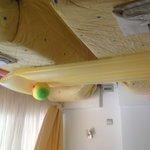 Twin bedroom (203)
