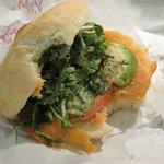 Photo de Vandkunsten sandwich og salat