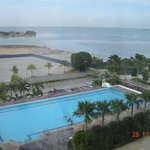 Pool View / Straits View