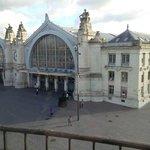 Vue de la chambre sur la gare de Tours !