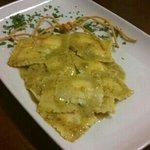 ravioli con pesto di pistacchio
