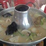 Photo de Whampoa Food Street Keng Fish Head Steamboat Eating House