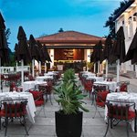 Al Fresco Dining at The Terrace - Alkaff Mansion Ristorante