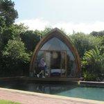 poolhouse bij daglicht