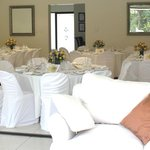 small weddings and elopements - wedding lunch setting