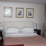 Hotel Le Vignon, room interior, bed