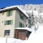 A Big, Warm Welcome Awaits You! A LA TOUR CARREE! Swiss Alps