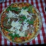 Pizza Speciale mit Parmaschinken