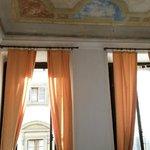 Camera 3, soffitti alti e affreschi parzialmente conservati