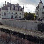 Chateau vu du jardin de Diane de Poitiers