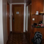 foyer/minibar