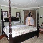 Linda Room