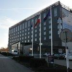 widok na hotel z ulicy-z kierunku od Wawelu