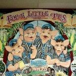 Foto van 4 Little Pigs