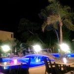 Bar terraza, con espectáculo todas las noches