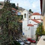 vue du balcon: église agios spiridonas