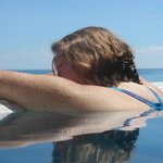 Infinity pool - Gulf of Mexico side - happy wife