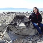 Playa del Lago Argentino en las cuevas de Walichu