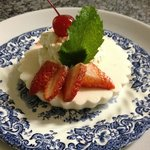 Strawberry yogurt desserts - yum!