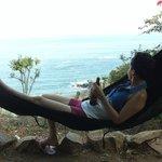 La vista, la brisa , la bebida, el arrullo del mar y la relajación