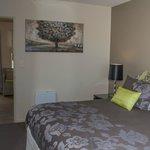 bedroom deluxe 1-bedroom unit