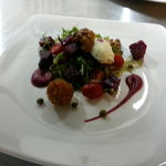 beetroot and goatcheese salad