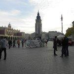 広場の前の旧市庁舎。