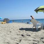 La spiaggia a due passi dal residence