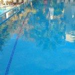 верхний бассейн и слева кусочек нижнего))