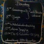 gli orari dell'attività nella SPA, ma perchè solo in tedesco?