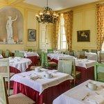 Salle Petit déjeuner au Chateau d Etoges Breakfast near Reims