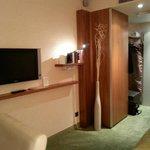 Zimmer mit kleiner Bilbliothek