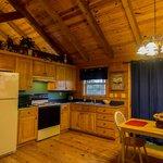 Foto de Whispering Hills Cabins
