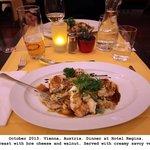 Turkey breast medallions w/veggies