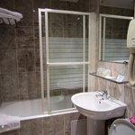 bath in executive room #608