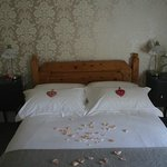 The guest accommodation has a double room