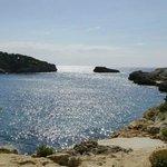 Felsenbucht Cala Azul (über Leiter ins kristallklare Wasser)