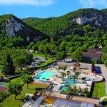Parc aquatique avec nouvelle piscine couverte chauffée