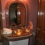 en-suite in the Roses room