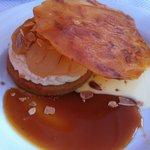 tarte aux poires et au caramel  (très bon )