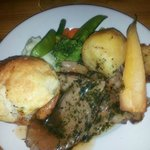 Fabulous dinner with amazing yorkshire puds!!!