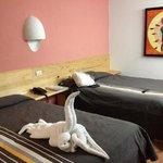 habitación minimalista muy comoda