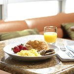 The complimentary breakfast offers choices for every taste.