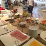 Café da manhã - grande variedade de itens