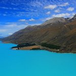 View of the drive alongside Lake Pukaki into Glentanner/Mt Cook