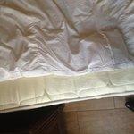 Voilà un lit dans cet hôtel