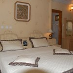 Photo de Crown Hotel