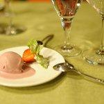 Rotwein-Eiscreme
