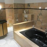 Huge marble bathroom and shower, you can chose!!