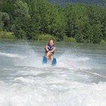 Ski nautique sur le lac du cuchet